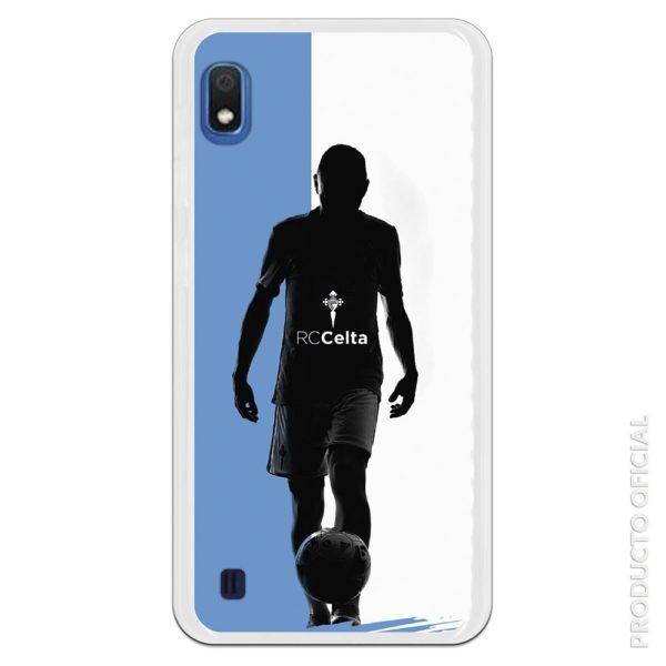 Funda móvil RC Celta jugador de fútbol a contra luz fondo azul y blanco